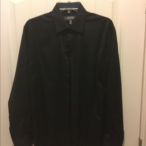 Men's medium dress shirt by Kenneth Cole reaction.
